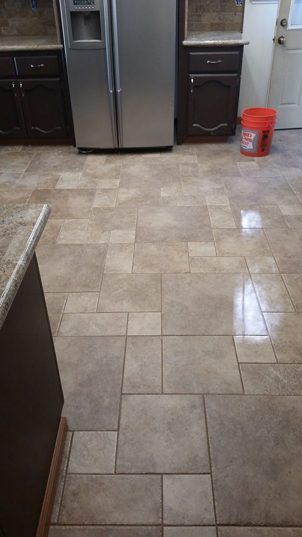 Tile flooring sacramento gurus floor for Kitchen flooring installation
